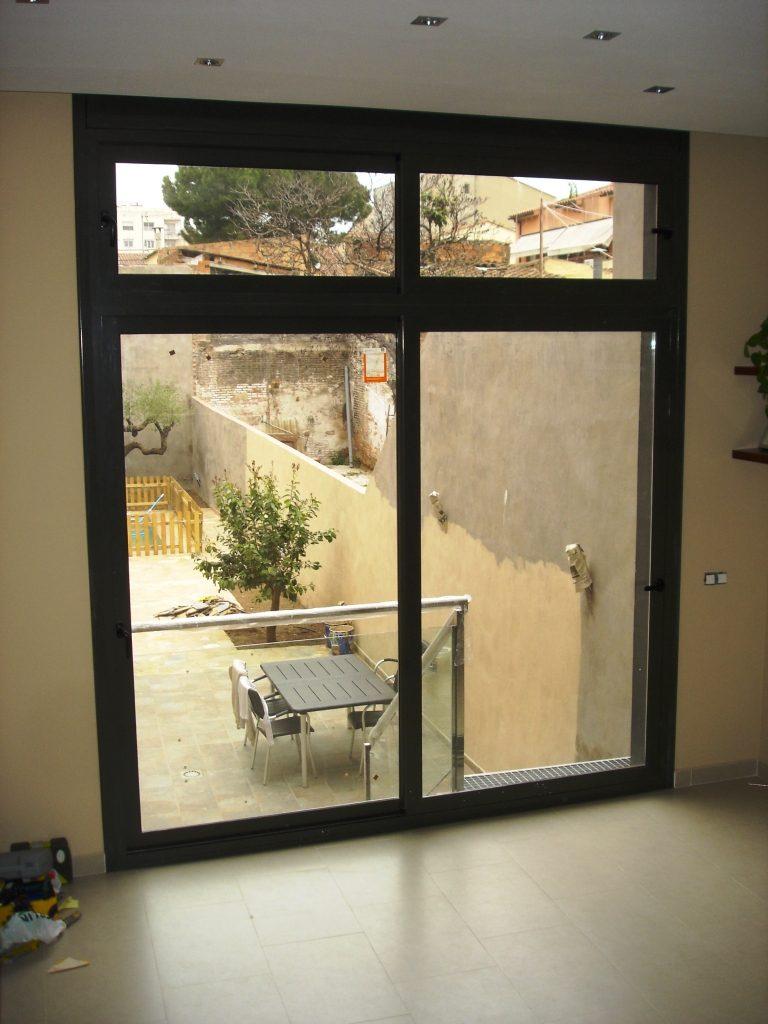 Puertas de aluminio hermanos almansa for Correderas de aluminio