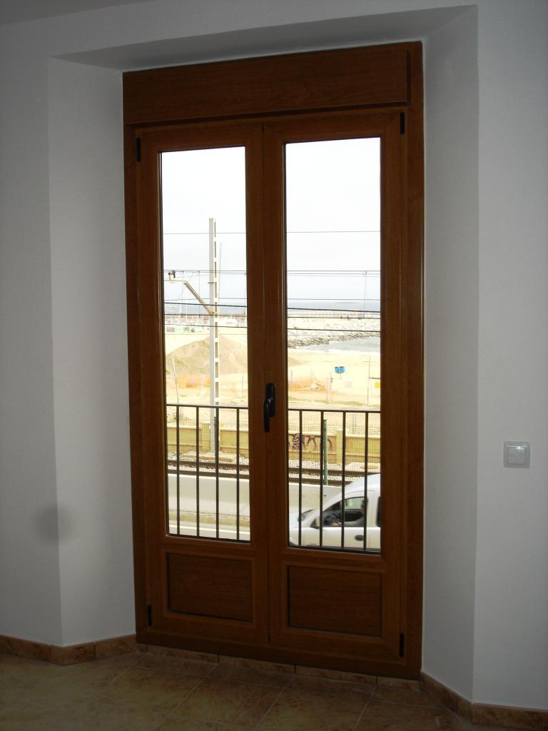 Puertas de aluminio - Puerta balconera aluminio ...