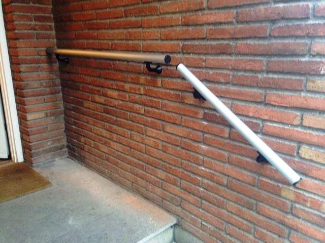 http://barandilla-con-tubo-de-aluminio-color-inox