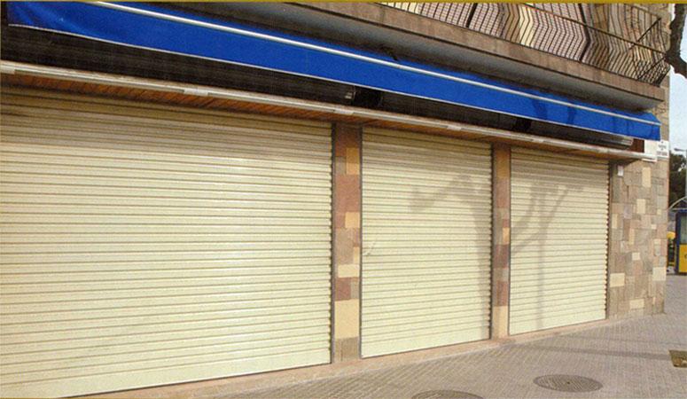 Puertas para garajes y locales hermanos almansa - Puertas para garajes ...
