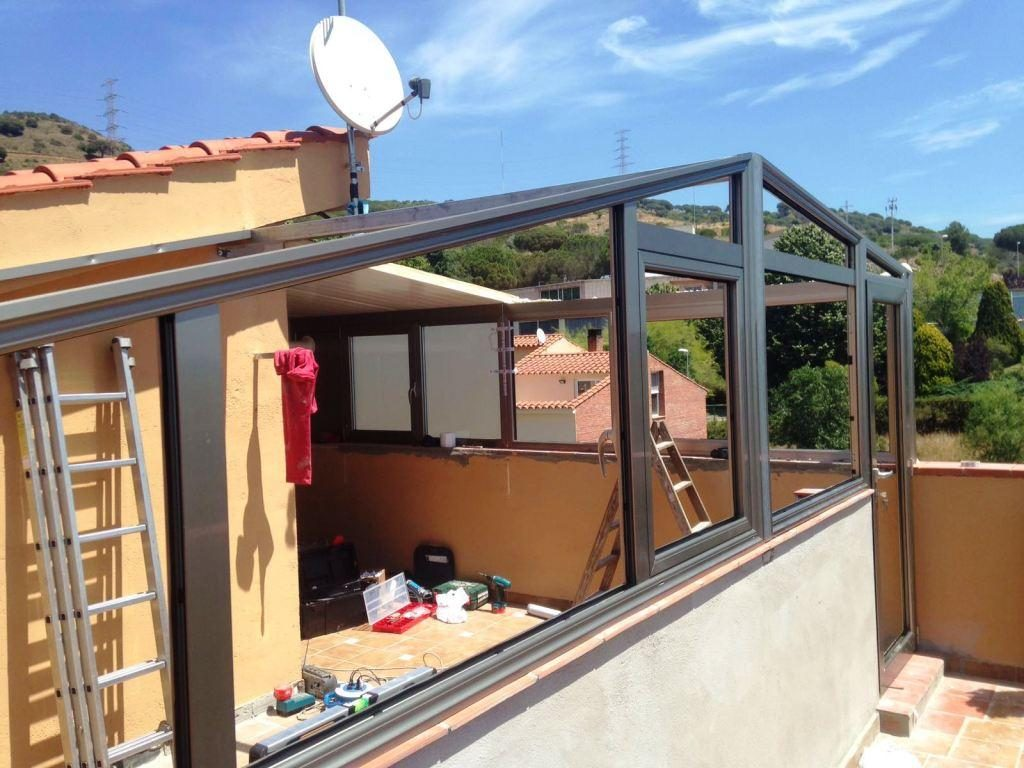 Cerramiento de terraza con techo tipo teja hermanos almansa for Diferentes tipos de techos para terrazas